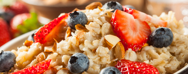 Contract Foodservices – January Is Oatmeal Month, So Learn About Oats!